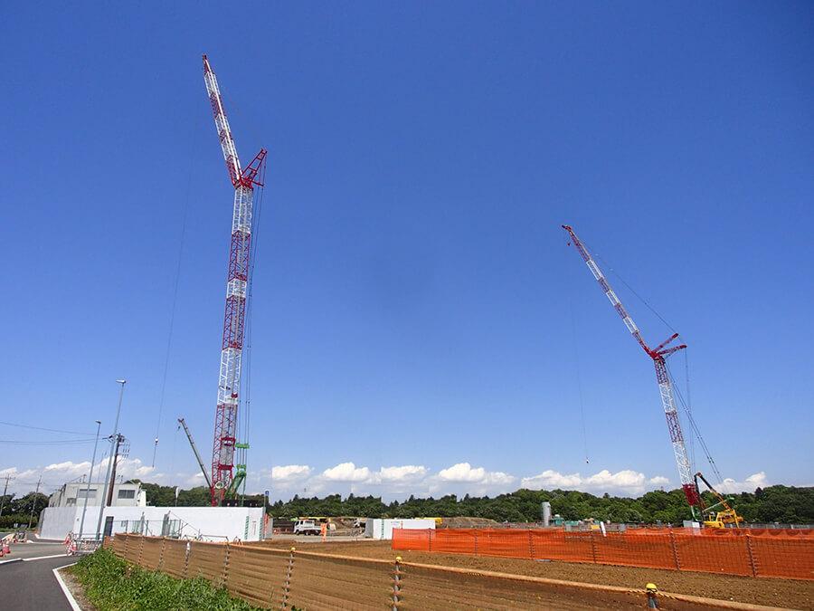 複数台のクローラクレーンで行うconstruction現場